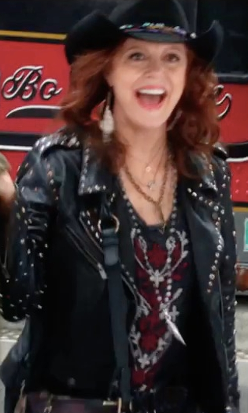 Susan Sarandon with Daydreamer Run DMC Tank Top in A Bad Moms Christmas