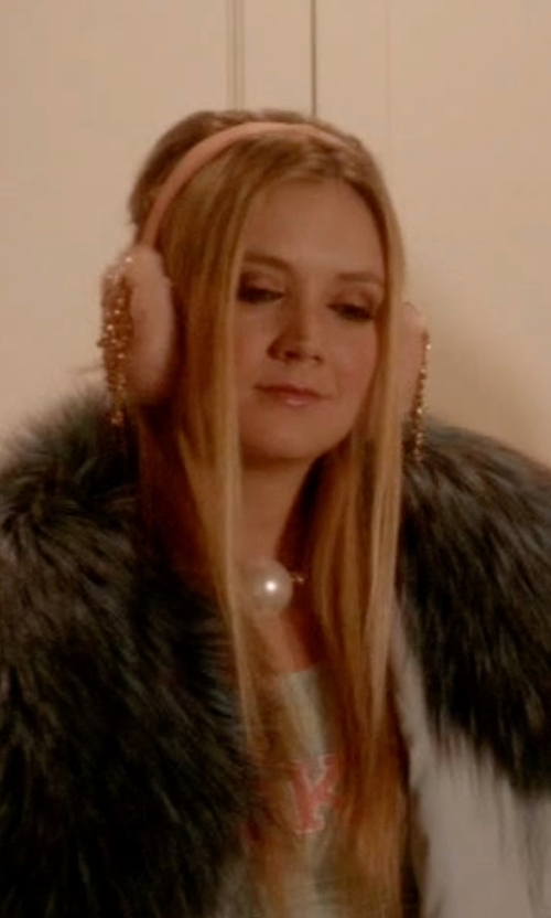 Billie Lourd with Kiz Muffs Custom Earmuffs in Scream Queens