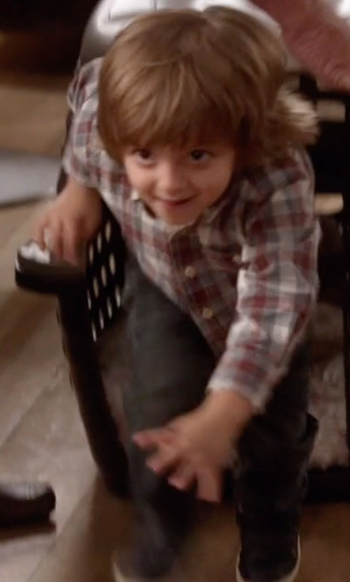 Jeremy Maguire with Carter's Flannel Button-Down Plaid Shirt in Modern Family