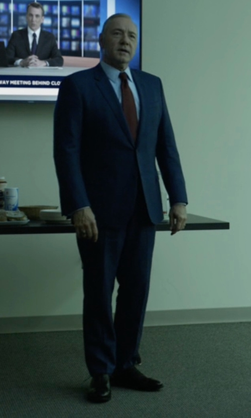 Kevin Spacey with Cole Haan Cambridge Leather Cap Toe Oxford Shoes in House of Cards