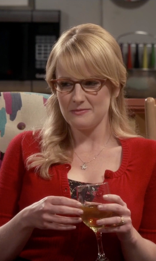 Melissa Rauch with Oromi Plain Half Round Classic Wedding Band Ring in The Big Bang Theory