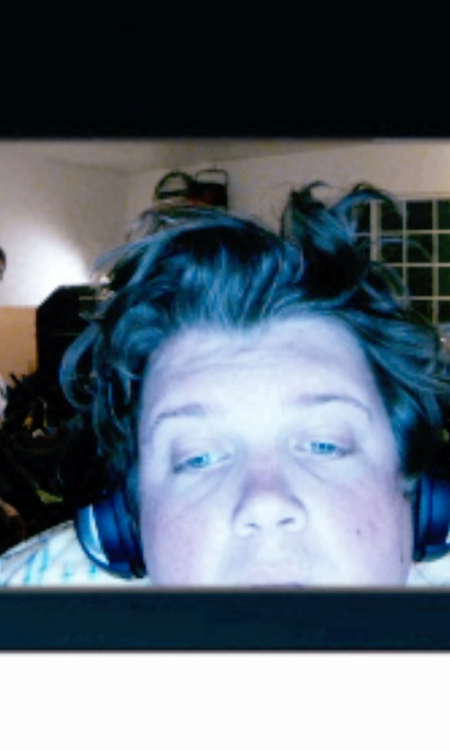 Jacob Wysocki with Sony Series Stereo Headphones in Unfriended