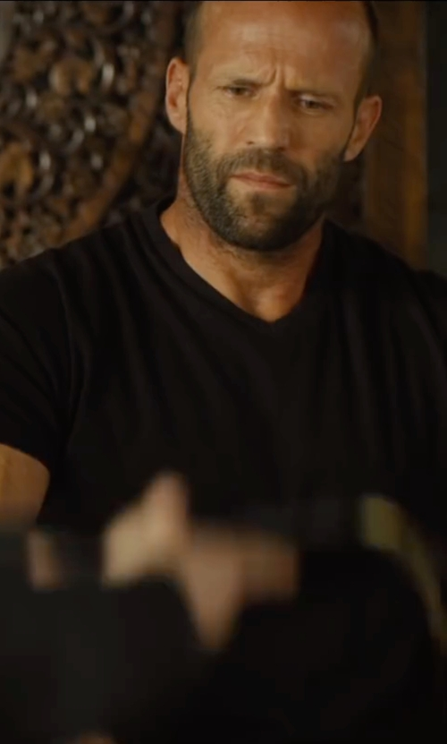 Jason Statham with Frame V-Neck T-Shirt in Mechanic: Resurrection