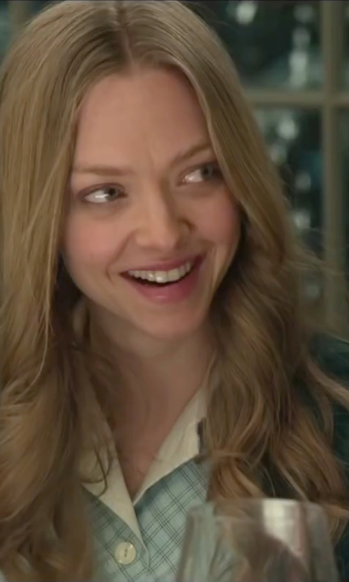 Amanda Seyfried with Tommy Hilfiger Chain Print Belted Shirt Dress in Love the Coopers