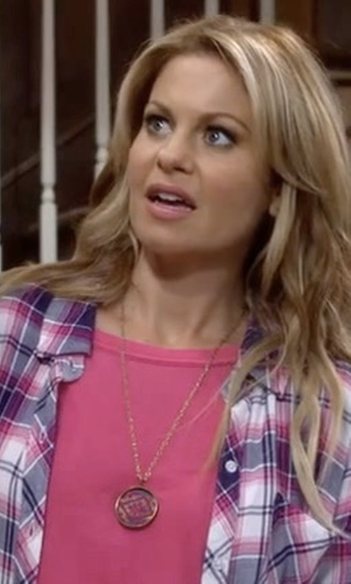 Candace Cameron Bure with Sydney Evan Small Diamond Evil Eye Medallion Necklace in Fuller House