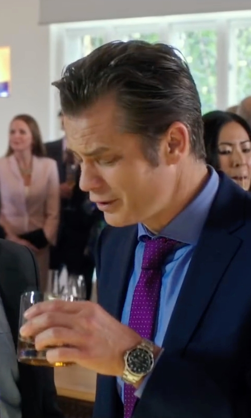 Timothy Olyphant with Alara Chevron Dot Silk Tie in Snowden