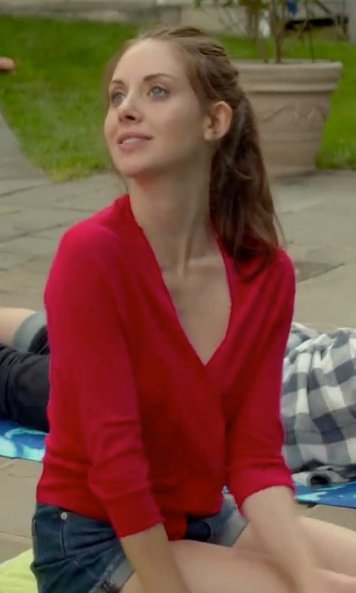 Alison Brie with Aviù V-Neck Cardigan in Sleeping with Other People