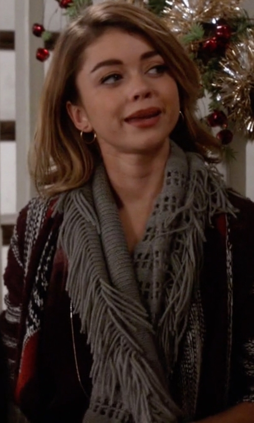 Sarah Hyland with La Fiorentina Women's Super Soft Infinity Fringed Scarf in Modern Family