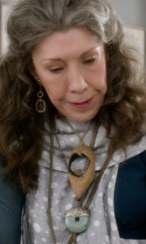 Lily Tomlin with Macy's Jade Circle Pendant Gold Necklace in Grace and Frankie