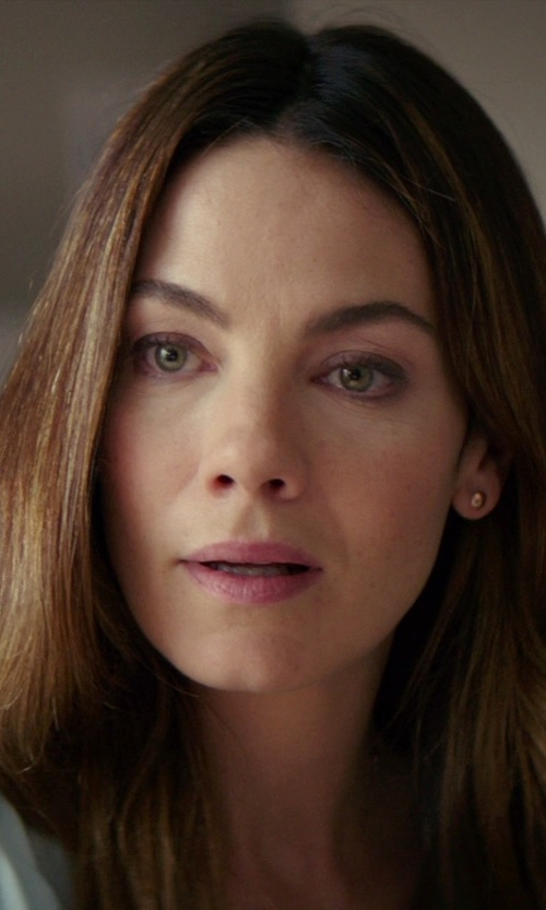 Michelle Monaghan with JC Penney Ball Stud Earrings in The Best of Me