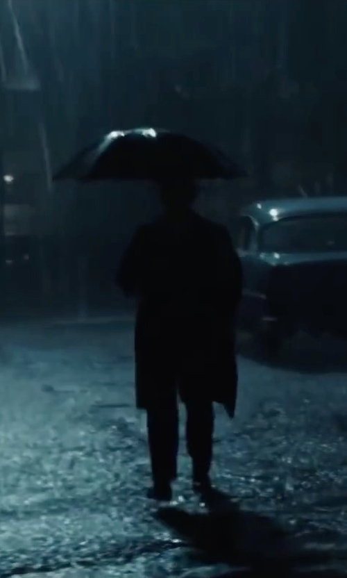Tom Hanks with Totes Stately Auto Umbrella in Bridge of Spies