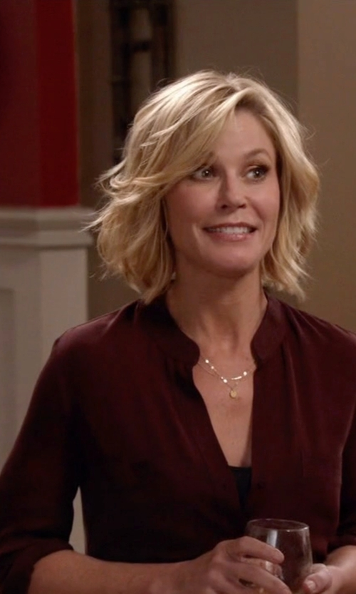 Julie Bowen with L'agence Band Collar Silk Blouse in Modern Family