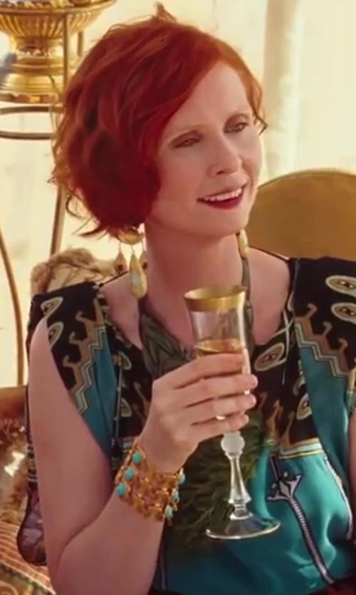 Cynthia Nixon with Riedel Champagne Glasses in Sex and the City 2