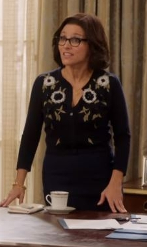 Julia Louis-Dreyfus with Talbots Falling Daisies Charming Cardigan in Veep