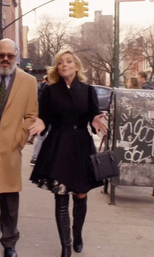 Jane Krakowski with Bottega Veneta Nero Intrecciato Nappa Shoulder Bag in Unbreakable Kimmy Schmidt
