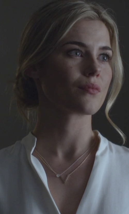 Rachael Taylor with Jennifer Zeuner Jewelry Bianca Small Necklace in Jessica Jones