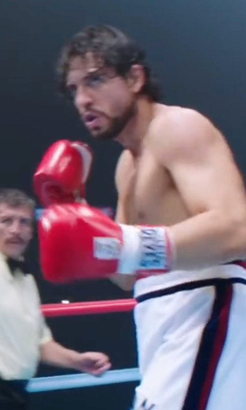 Édgar Ramírez with Cleto Reyes Boxing Gloves in Hands of Stone