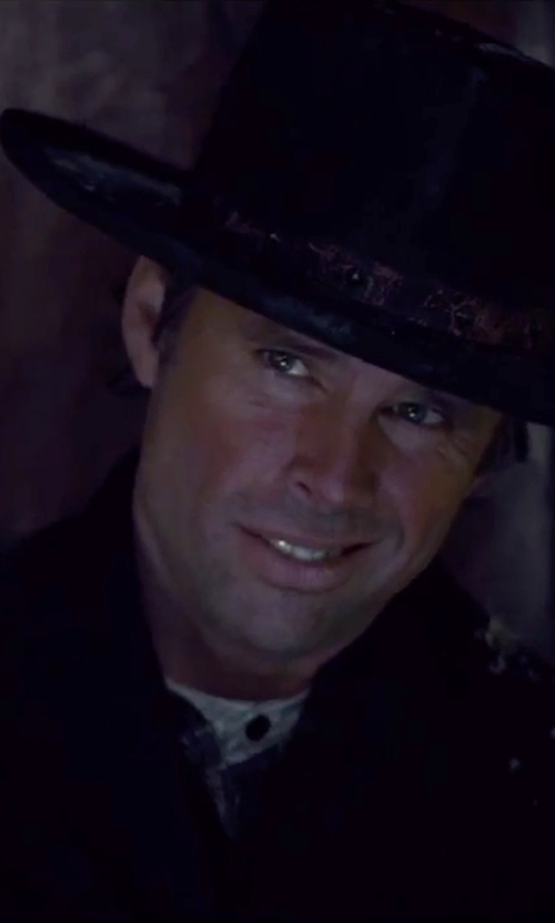 Walton Goggins  with So Be It Mandarin Collar Shirt in The Hateful Eight