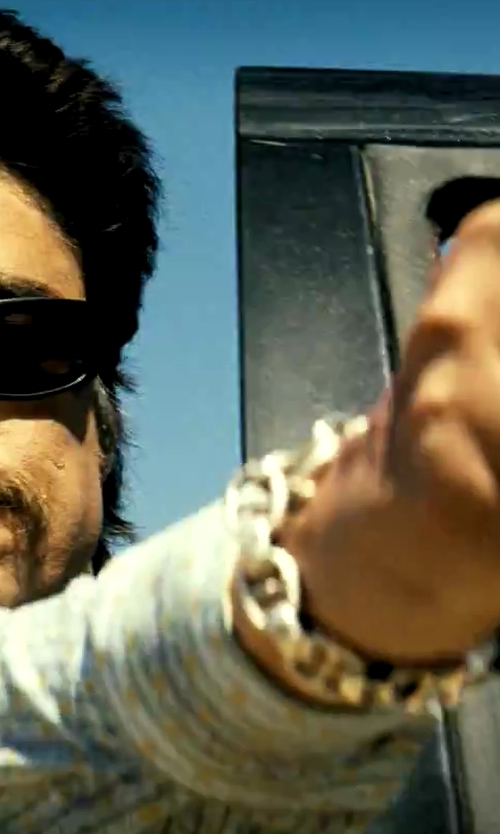 Benicio Del Toro with John Hardy Large Anchor Rode Link Bracelet in Savages