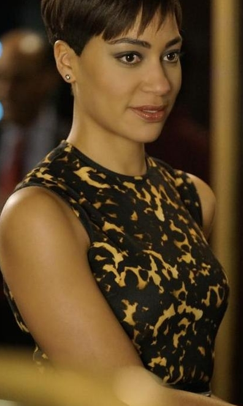 Cush Jumbo with Alexander McQueen Printed Bodycon Zip Dress in The Good Fight