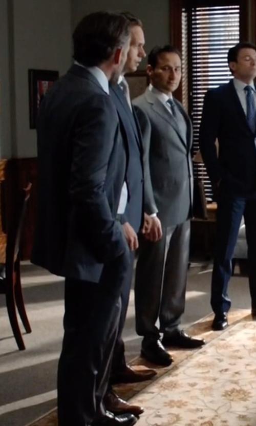 Patrick J. Adams with Salvatore Ferragamo Manolo Derby Shoes in Suits