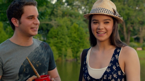 Hailee Steinfeld with Old Navy Women's Perfect Rib-Knit Tanks in Pitch Perfect 2