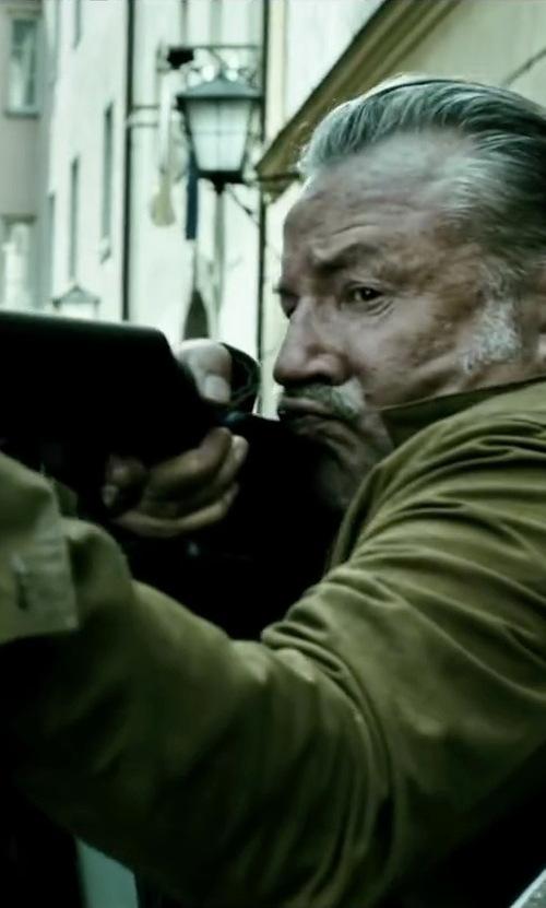 Ray Winstone with Filson Cotton-Canvas Field Jacket in Point Break