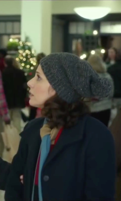 Marisa Tomei with Bcbgmaxazria Rhiley Cashmere Blend Knit Beanie in Love the Coopers