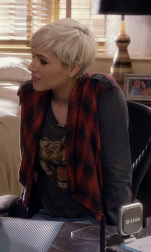 Dre Davis with Chaser Tiger Growl Tee in Pretty Little Liars