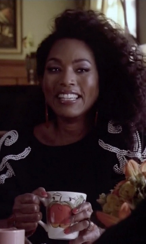 Angela Bassett with CeCe by Cynthia Steffe Long-Sleeve Printed Jacquard Sweater in American Horror Story