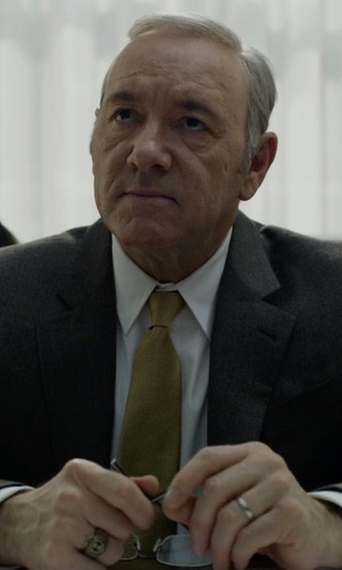 Kevin Spacey with Brioni Textured Dot Neat Silk Tie in House of Cards