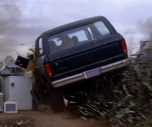 Unknown Actor with Ford 1985 Bronco II in Transcendence