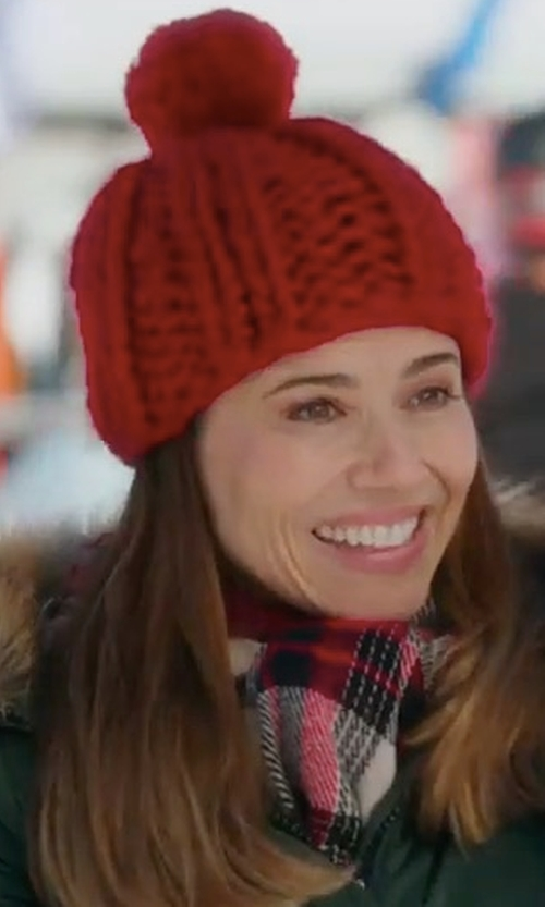 Linda Cardellini with Levi's Flannel Plaid Scarf in Daddy's Home 2