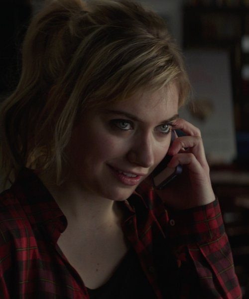 Imogen Poots with Apple iPhone 5s in That Awkward Moment
