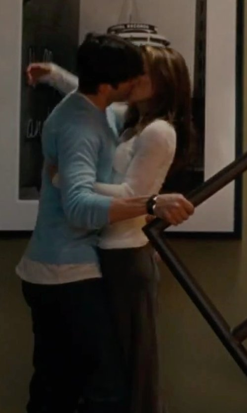 Natalie Portman with Helmut Lang Kinetic Jersey Long Sleeve Shirt in No Strings Attached