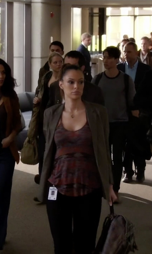 Anabelle Acosta with Silence + Noise Printed Lina Racerback Tank Top in Quantico