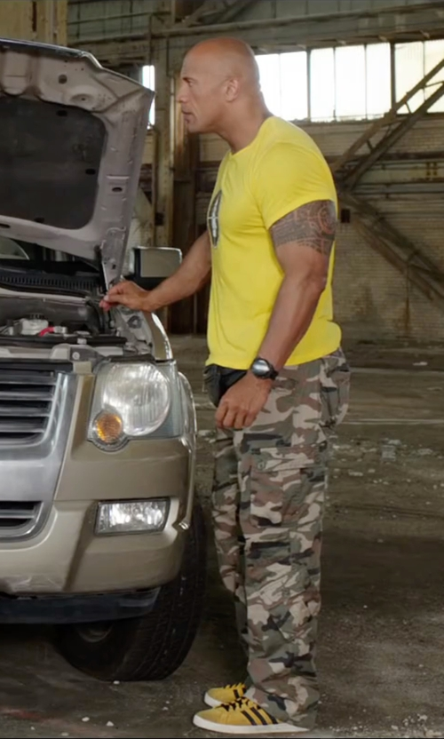 Dwayne Johnson with Hamilton Below Zero Black Dial Watch in Central Intelligence