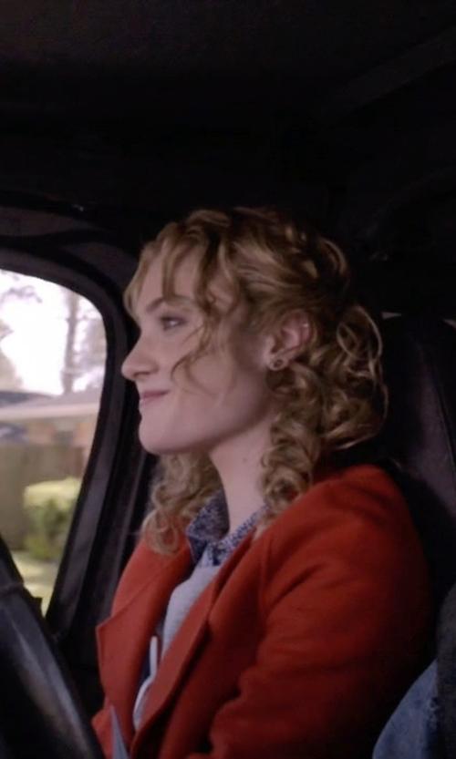 Skyler Samuels with Dannijo Lark Crystal Single Ear Cuff Earrings in Scream Queens