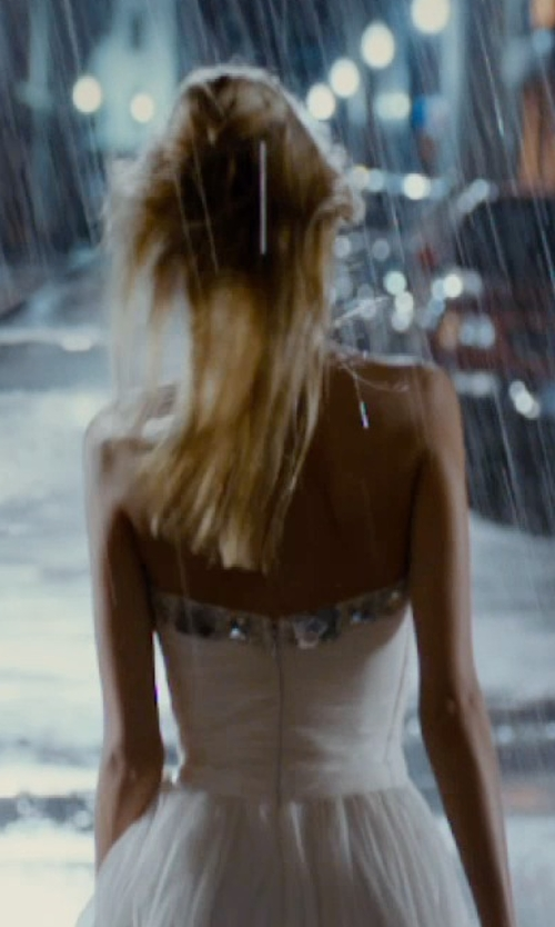 Isabel Lucas with La Femme White Gold Chiffon Cocktail Gown in The Loft