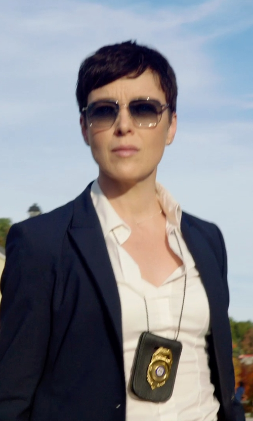 Olivia Williams with RAY BAN Silver Metal Square Aviator in Sabotage