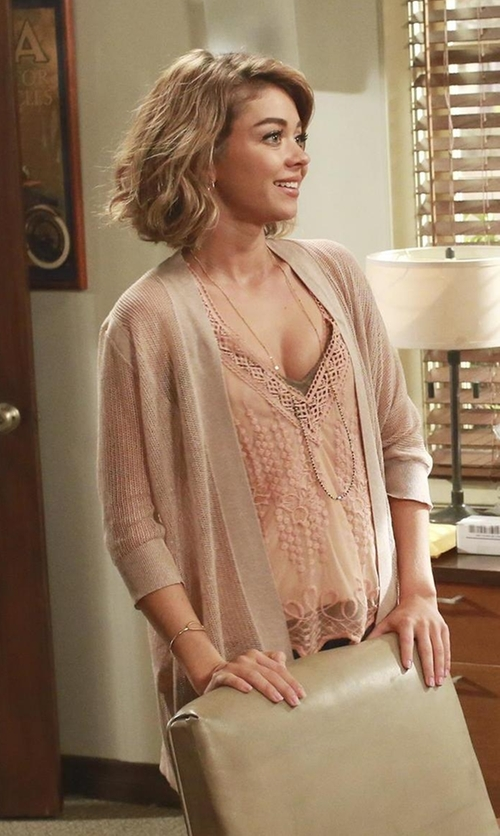 Sarah Hyland with ASTR Embroidered V-Neck Tank Top in Modern Family