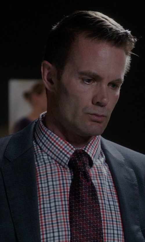 Garret Dillahunt with Tommy Hilfiger Easy Care Purple Multi Open Check Dress Shirt in The Mindy Project