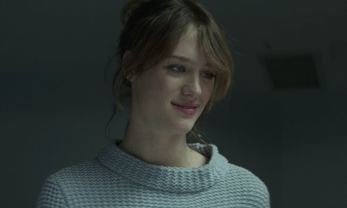 Mackenzie Davis with Marc By Marc Jacobs Chunky Knit Sweater in That Awkward Moment