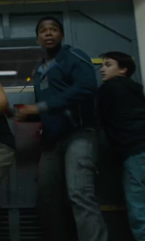 Dexter Darden with Carhartt Solid Non-Pocket T-Shirt in Maze Runner: The Scorch Trials