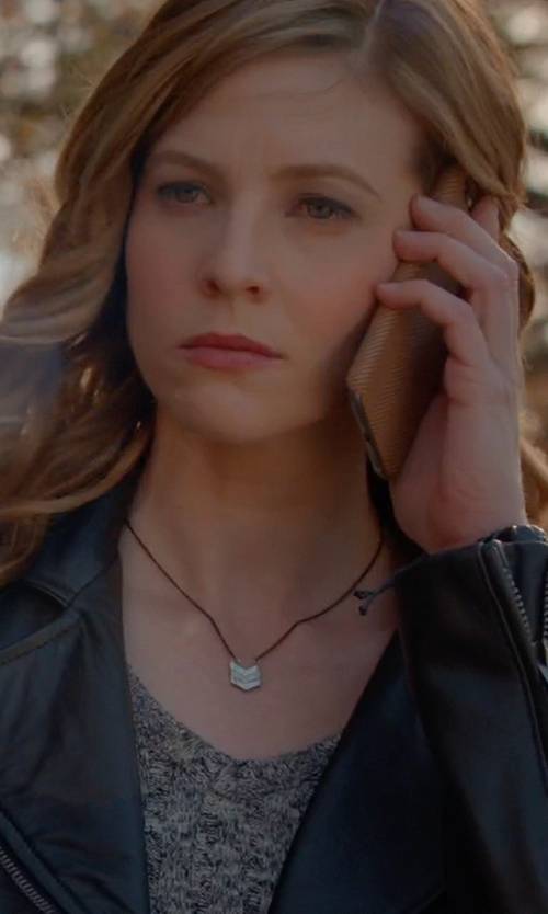 Elizabeth Blackmore with Silpada Chevron Plunge Necklace in The Vampire Diaries