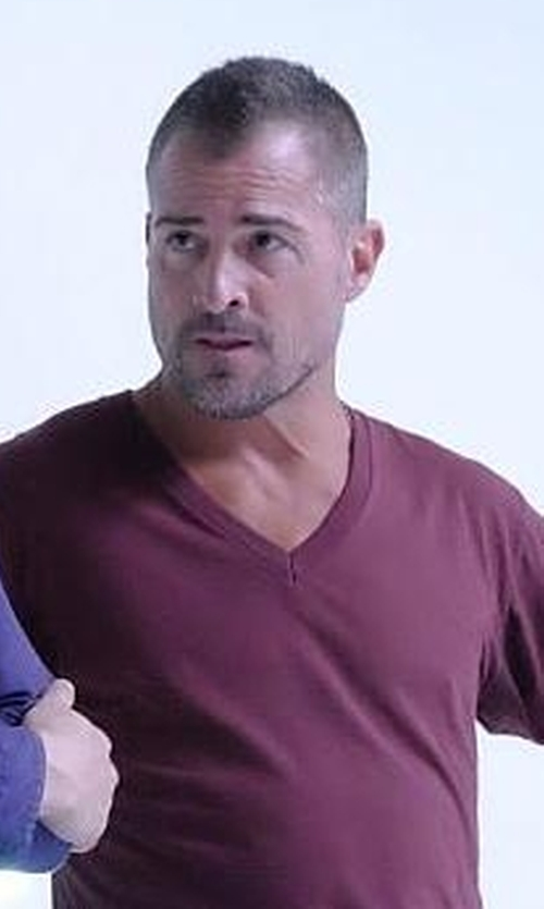 George Eads with Robert Graham Nomads V-Neck T-Shirt in MacGyver