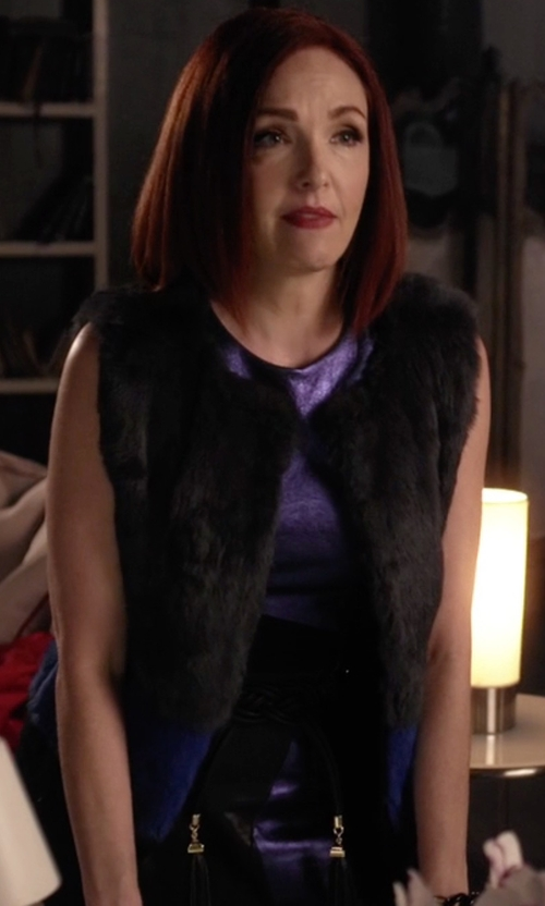 Amy Yasbeck with BCBGMAXAZRIA Tie Tassel Belt in Pretty Little Liars