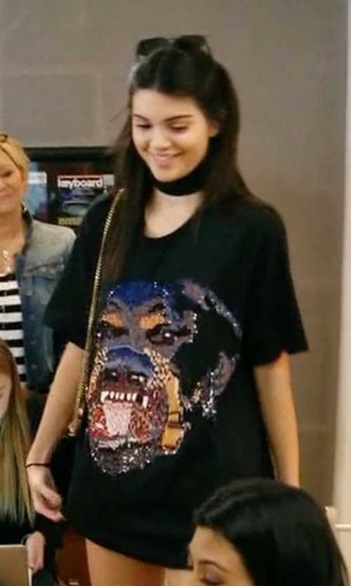 Kendall Jenner with Givenchy Sequin Rottweiler Cotton T-Shirt in Keeping Up With The Kardashians