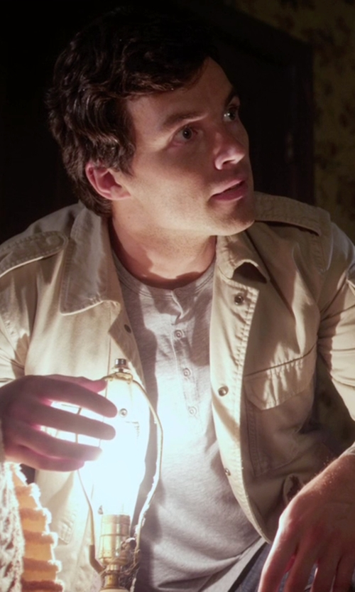 Ian Harding with John Varvatos Star USA Peace Sign Henley Shirt in Pretty Little Liars