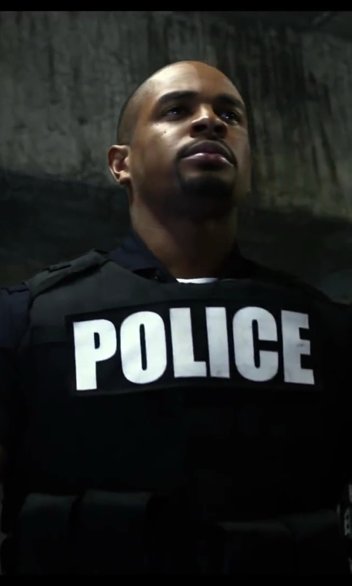 Damon Wayans Jr. with Fidragon Police Tactical Vest Field Gear in Let's Be Cops